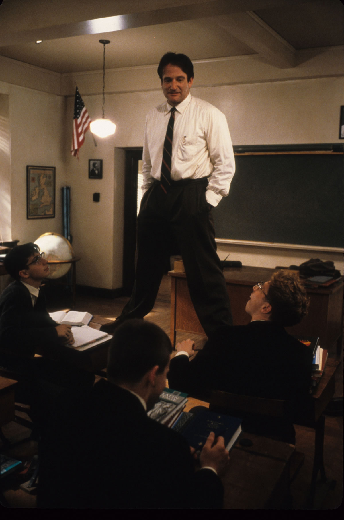Robin Williams as John Keating in Dead Poets Society © Touchstone Pictures***